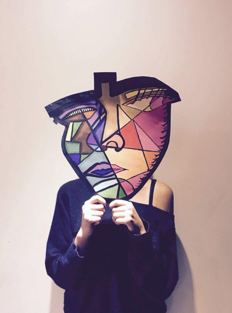 La artista en mi espejo. Metralla creativa. Cultura palpitante. Alexis HB Rocío artista fotografía
